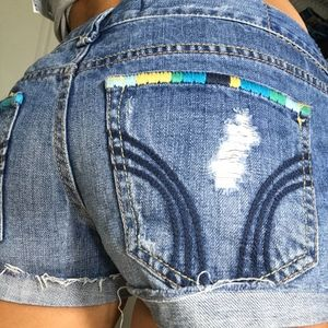 HOLLISTER DESTROYED CUFFED LOW RISE JEAN SHORTS 3